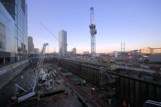 Canary_Wharf,_London_-_Crossrail_construction_Jan_2011